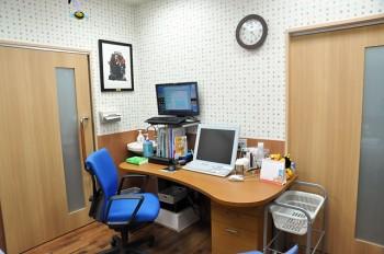 第一診察室デスク